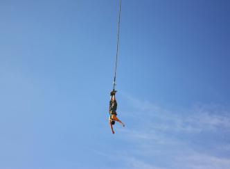 Cap ou pas cap de sauter à l'élastique ?