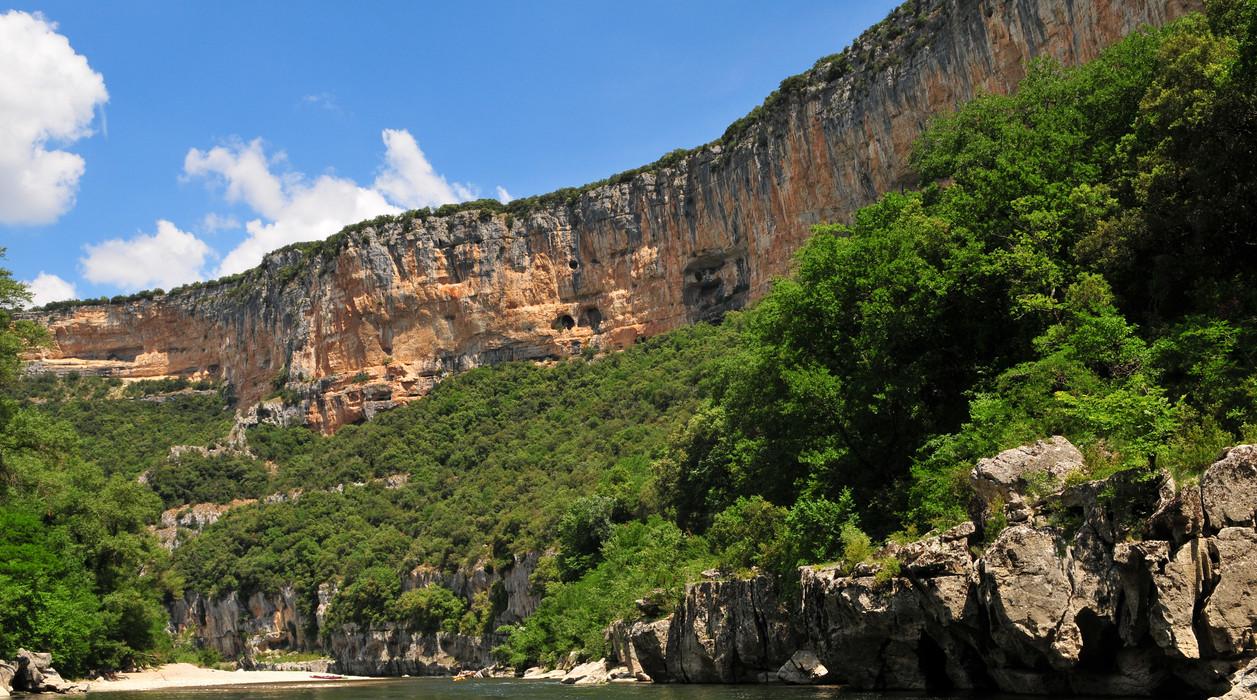 Découverte des gorges de l'Ardèche en canoë