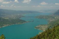 Le lac d'Annecy vu du ciel