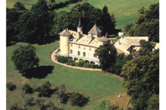 La route de Lamartine et le Château de Saint-Point -
