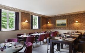Le 85 Restaurant & Bar