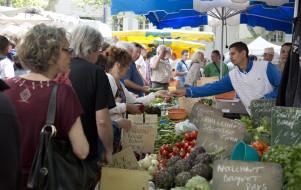 Le marché d'Uzès