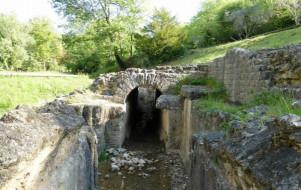 Le sentier de l'aqueduc romain