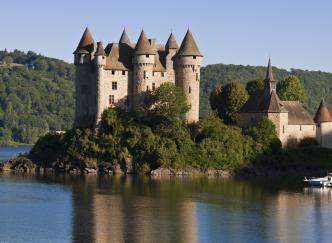 Les plus beaux châteaux du Cantal