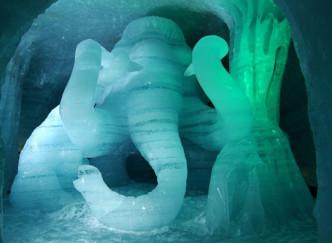 Visite de la grotte de neige