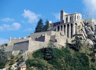 Top 10 des fortifications à découvrir dans les alpes