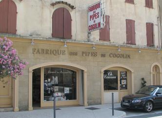 Charles Courrieu, fabriquant de pipes artisanales à Cogolin
