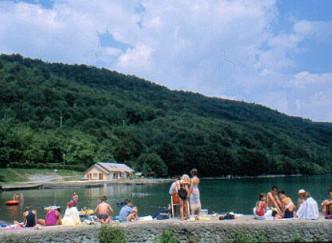 Au Pré du Lac