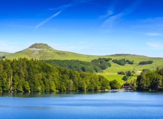 Partez à la découverte des volcans d'Auvergne à la Toussaint