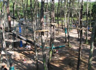 Parcours-aventures à Adrénaline Parc