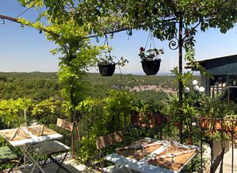 Restaurants venasque brasserie gastronomie o manger for Restaurant le beaucet