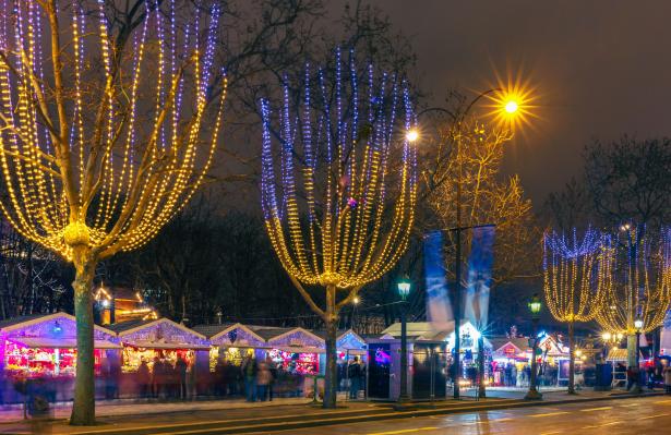Marche De Noel De Paris 2018 Direction Le Jardin Des Tuileries